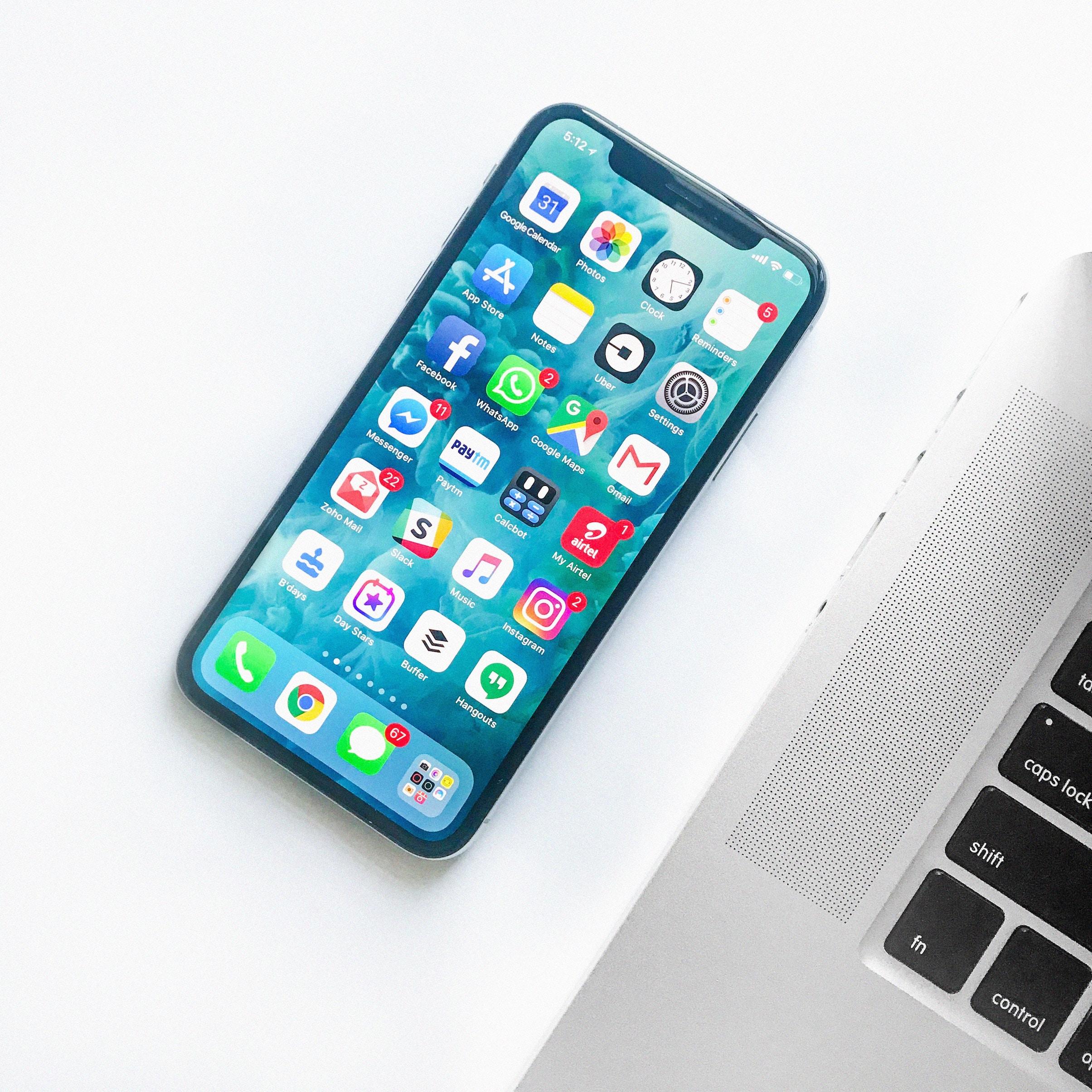 social media improves communication